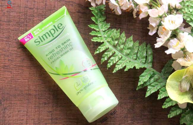 sữa rửa mặt simple kind to skin refreshing facial wash gel review